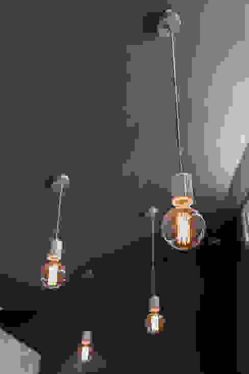 Kitchen Lighting Cocinas de estilo ecléctico de Lauren Gilberthorpe Interiors Ecléctico