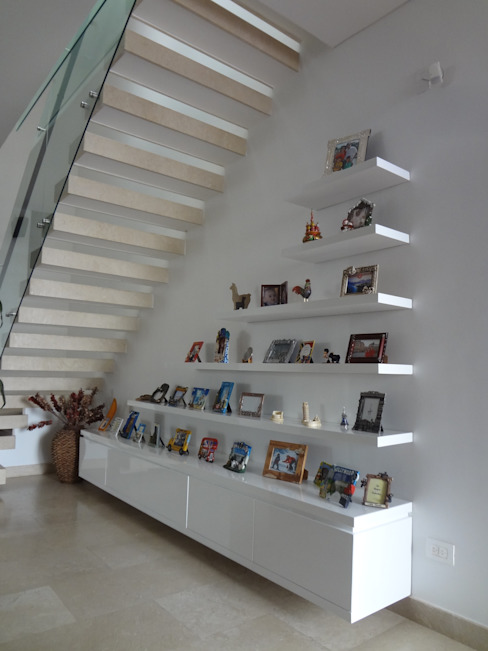 by John Robles Arquitectos Eclectic