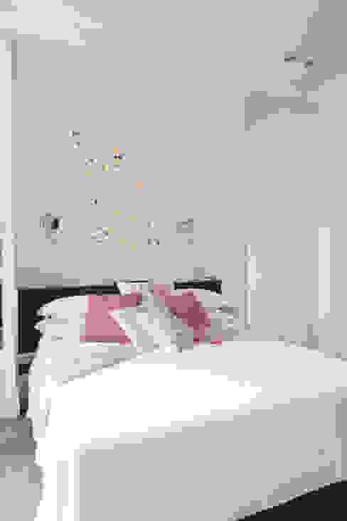 حديث  تنفيذ Loredana Vingelli Home Decor, حداثي جلد صناعي Metallic/Silver