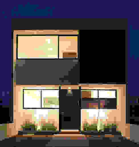 Fachada Casa Pedregal de noche Casas de estilo minimalista de Región 4 Arquitectura Minimalista