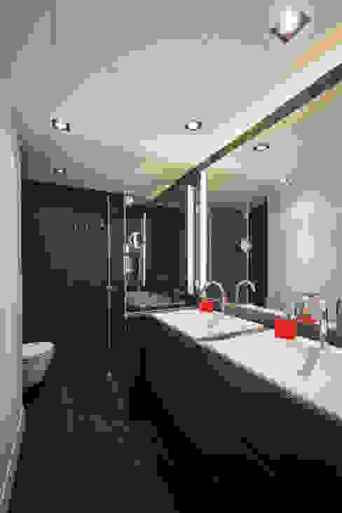 Pedralbes | Standal reformas de pisos Baños de estilo moderno de Standal Moderno