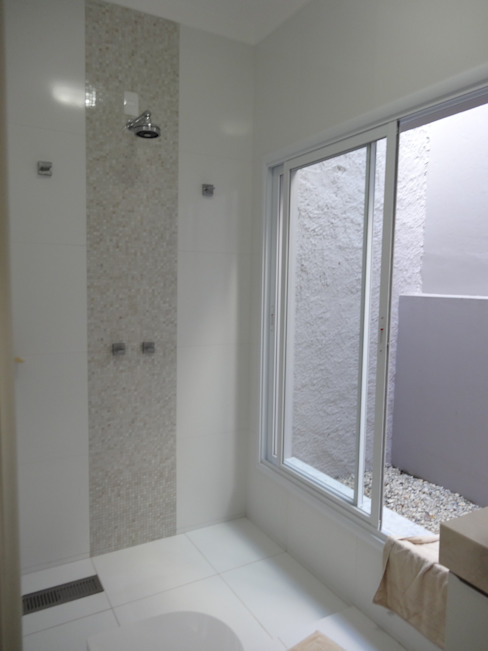 Lozí - Projeto e Obra Minimal style Bathroom