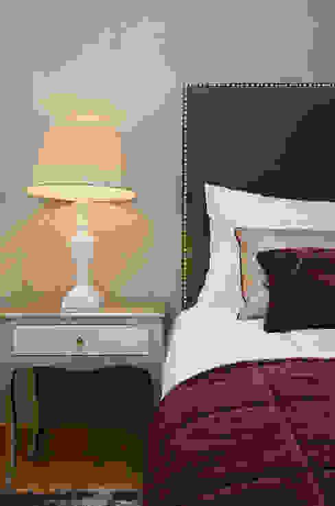 Private Interior Design Project - Apartment Vila Sol Palmyra:   por Simple Taste Interiors,Clássico