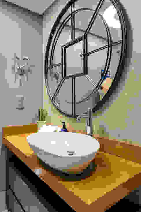 Decoração de banheiro Masculino Banheiros industriais por Motirõ Arquitetos Industrial
