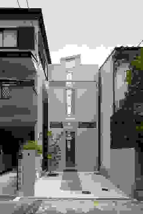 Casas modernas por 藤原・室 建築設計事務所 Moderno