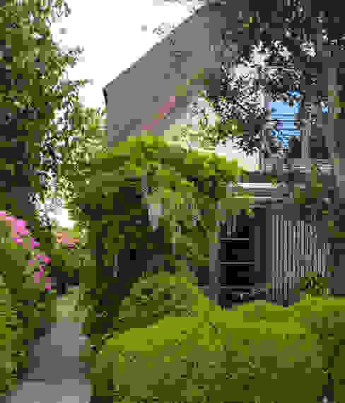 Tuin aan de plas Vosselman Buiten Moderne tuinen