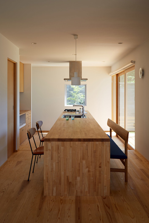 Modern Kitchen by toki Architect design office Modern Wood Wood effect