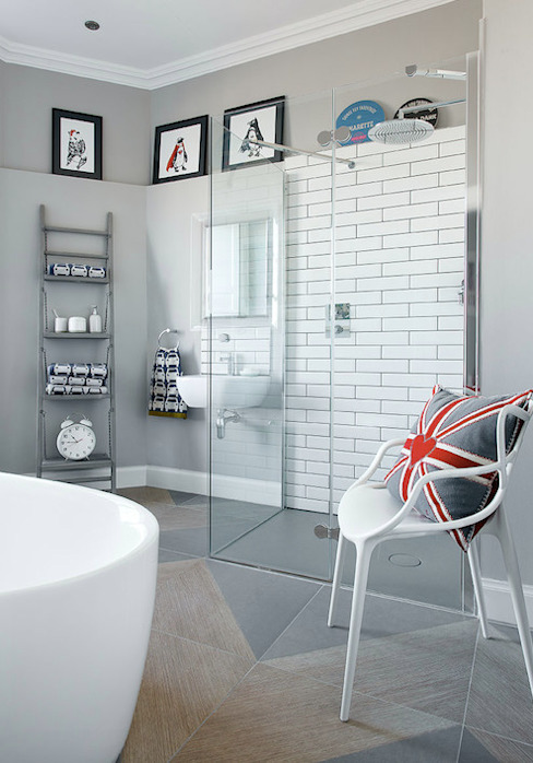 A fun kids bathroom:  Bathroom by Hen & Crask Edinburgh, Eclectic