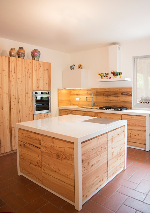 Rustic style kitchen by RI-NOVO Rustic Wood Wood effect