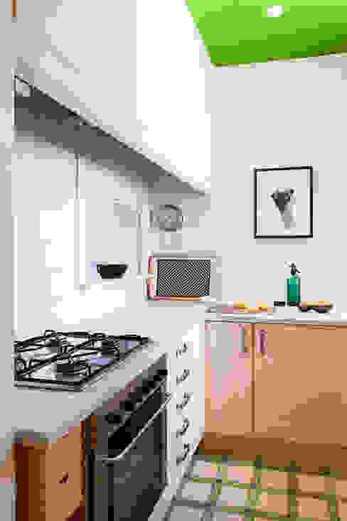 Kitchen Modern Kitchen by Markham Stagers Modern