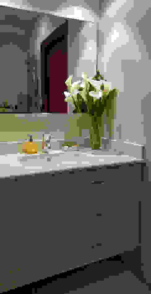 Baño 1 en Donosti Gala Feng Shui Interiorismo online en Azpeitia Baños de estilo moderno