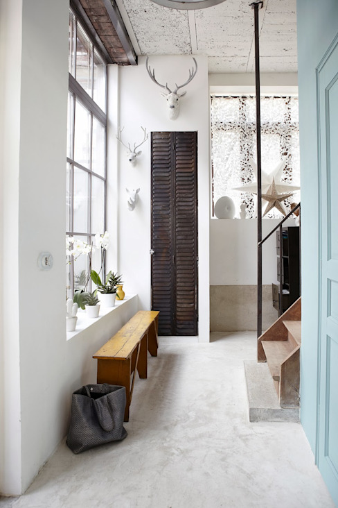 Corridor & hallway by Design for Love, Industrial