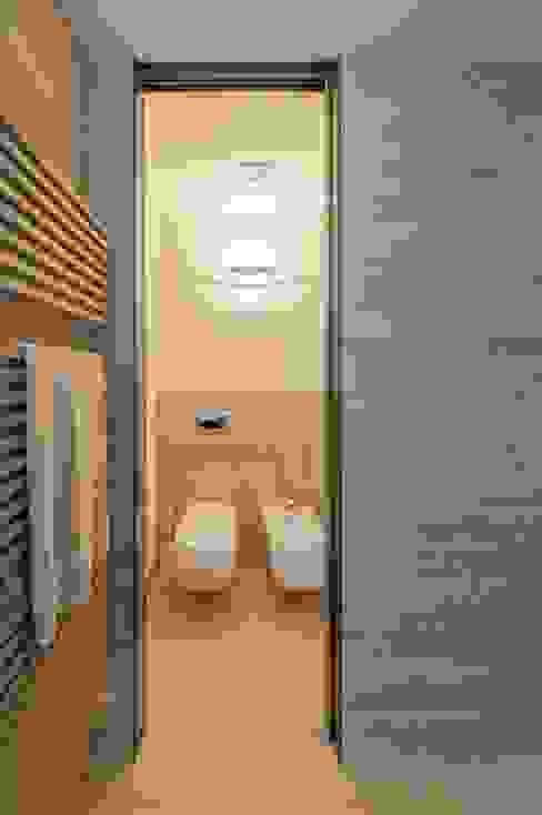 Studio Associato Casiraghi Casas de banho minimalistas Mármore Bege
