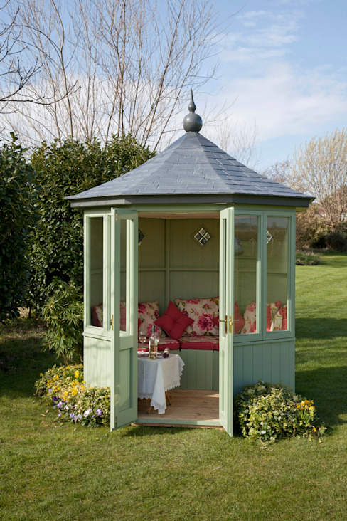 The Baltimore Summerhouse Classic style garden by homify Classic Wood Wood effect