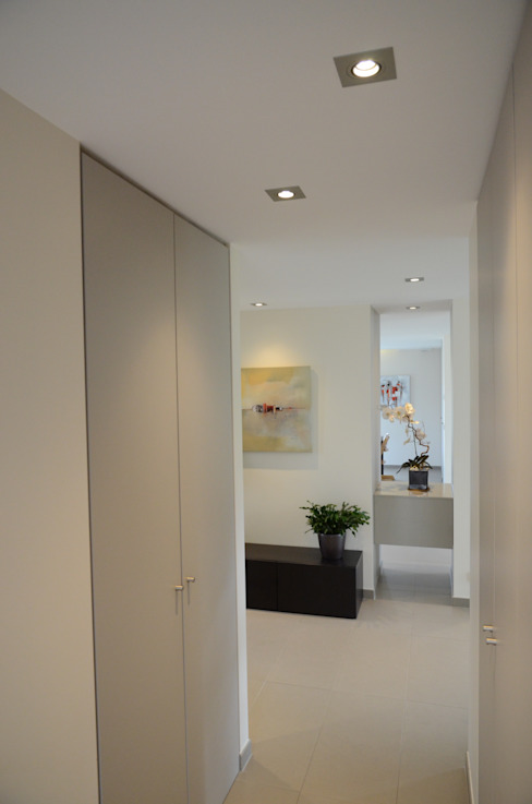 Minimalist Koridor, Hol & Merdivenler Pierre Bernard Création Minimalist
