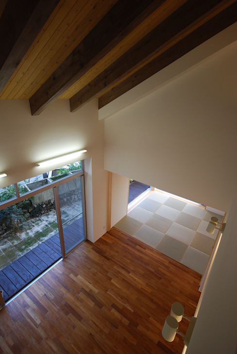 SKM-HOUSE 和風デザインの リビング の 門一級建築士事務所 和風 木 木目調