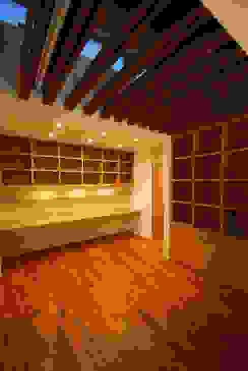 SKM-HOUSE 和風デザインの 書斎 の 門一級建築士事務所 和風 木 木目調