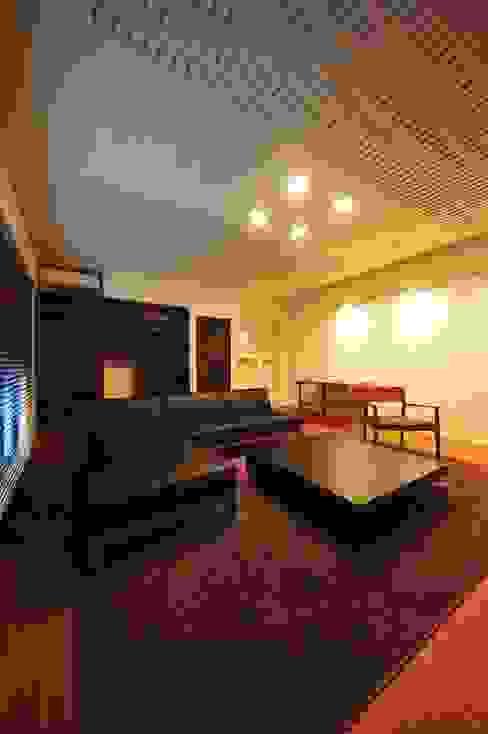 TERAJIMA ARCHITECTS/テラジマアーキテクツ Oficinas de estilo moderno
