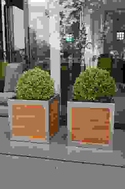 Pflanzkübel BLOCK quadratisch aus Holz mit Edelstahlrahmen VIVANNO Balkon, Veranda & TerrasseAccessoires und Dekoration Holz Braun