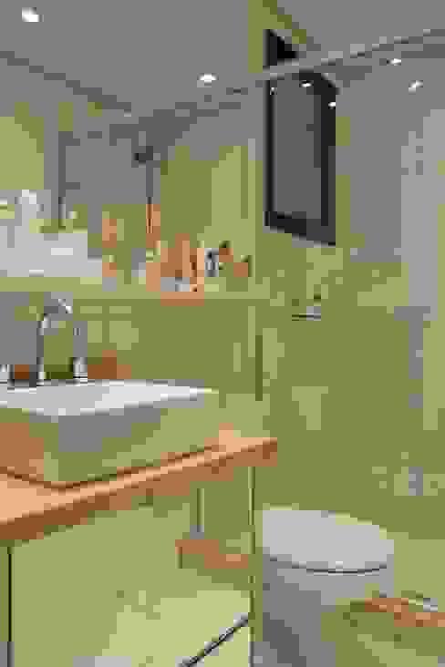 Baños modernos de Expace - espaços e experiências Moderno