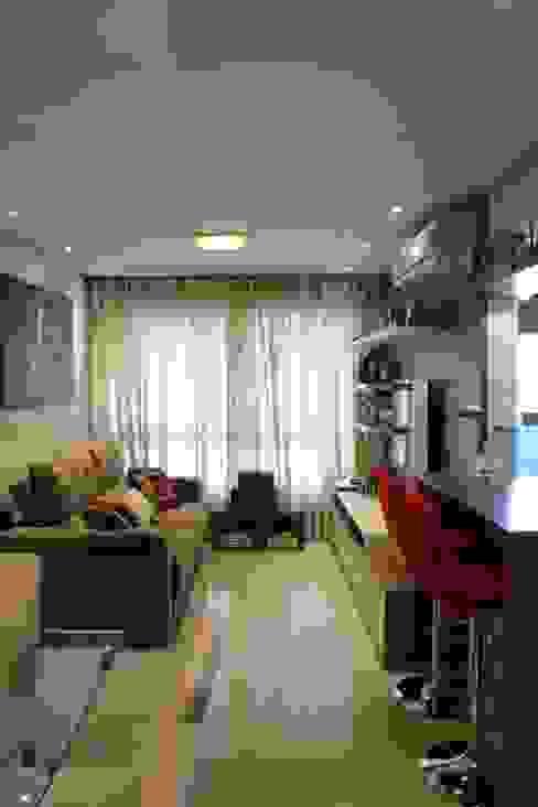 Salas / recibidores de estilo  por Expace - espaços e experiências