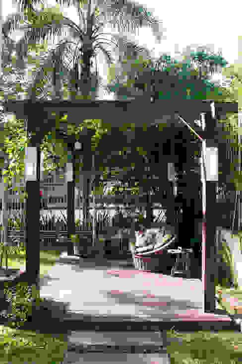 Terrazas  de estilo  por Expace - espaços e experiências, Rústico Madera Acabado en madera