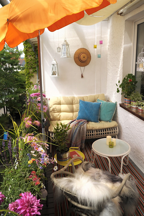 DIE BALKONGESTALTER Modern style balcony, porch & terrace