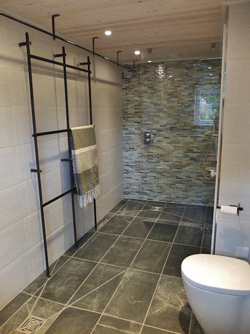 Sustainable Architectural Project Cornwall, Edge Of Cliff, St Ives, Cornwall Modern bathroom by Arco2 Architecture Ltd Modern