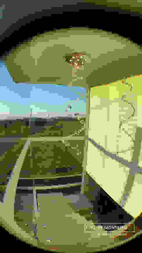 Escada espinha de peixe Corredores, halls e escadas modernos por Monteiro arquitetura e interiores Moderno