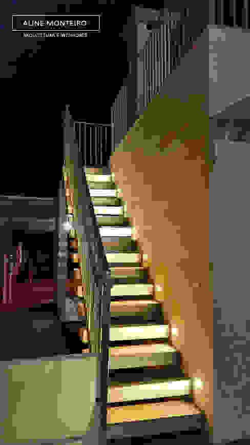 Escada externa Corredores, halls e escadas modernos por Monteiro arquitetura e interiores Moderno