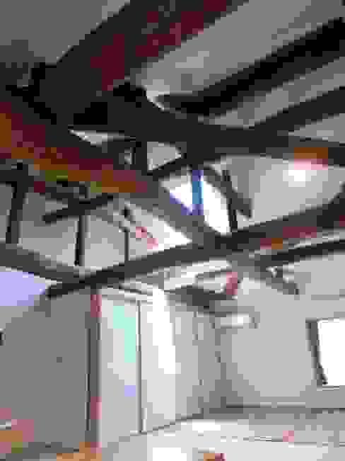 Dormitorios de estilo  de 氏原求建築設計工房, Clásico Madera Acabado en madera