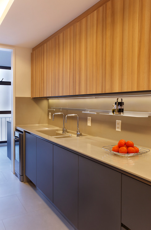 Apartamento Rota Moderne Küchen von Gisele Taranto Arquitetura Modern