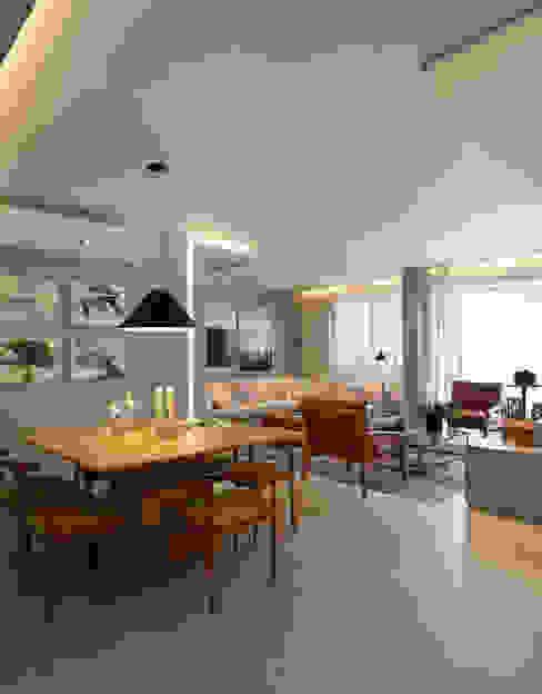 Столовые комнаты в . Автор – Gisele Taranto Arquitetura,