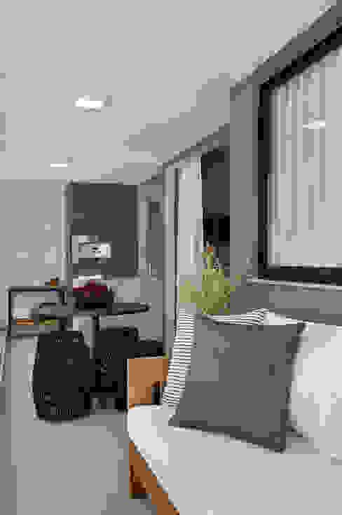 Apartamento decorado Calper Modern living room by Gisele Taranto Arquitetura Modern