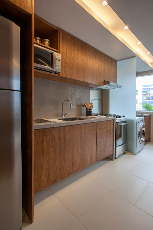 Kitchen by Gisele Taranto Arquitetura