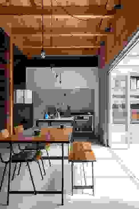 ishibe house ラスティックデザインの キッチン の ALTS DESIGN OFFICE ラスティック コンクリート