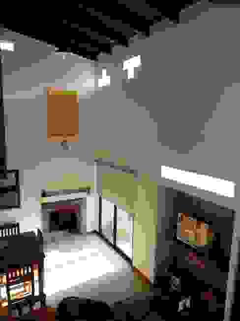 Doble Altura sobre Estar/Comedor Salas de estilo ecléctico de Patricio Galland Arquitectura Ecléctico