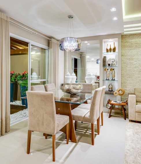 Eclectic style dining room by Juliana Lahóz Arquitetura Eclectic