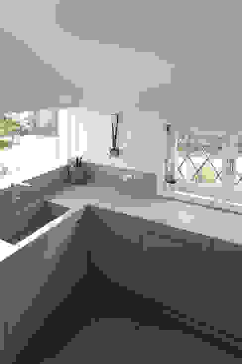C House Cucina minimalista di EXiT architetti associati Minimalista