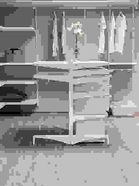 Elfa Deutschland GmbH Ruang Ganti Modern White