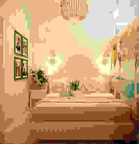 Дизайн гостевой спальни в Геленджике Спальня в средиземноморском стиле от Студия интерьерного дизайна happy.design Средиземноморский