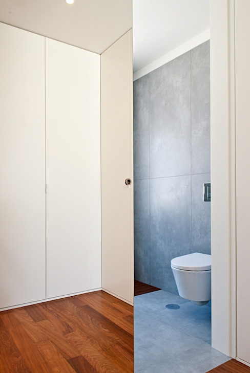 pa_house Casas de banho minimalistas por rui ventura | [v2a+e] Minimalista