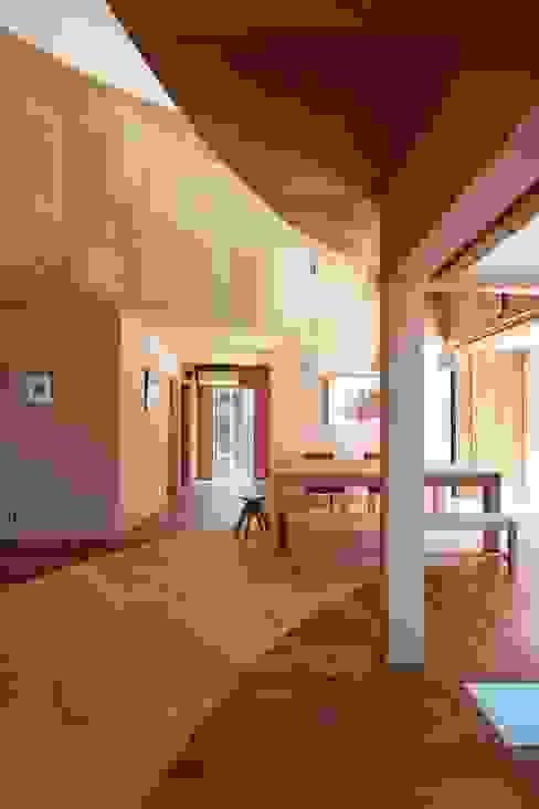 Scandinavian style dining room by 藤原・室 建築設計事務所 Scandinavian