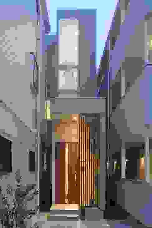 現代房屋設計點子、靈感 & 圖片 根據 北村大作建築設計事務所 現代風