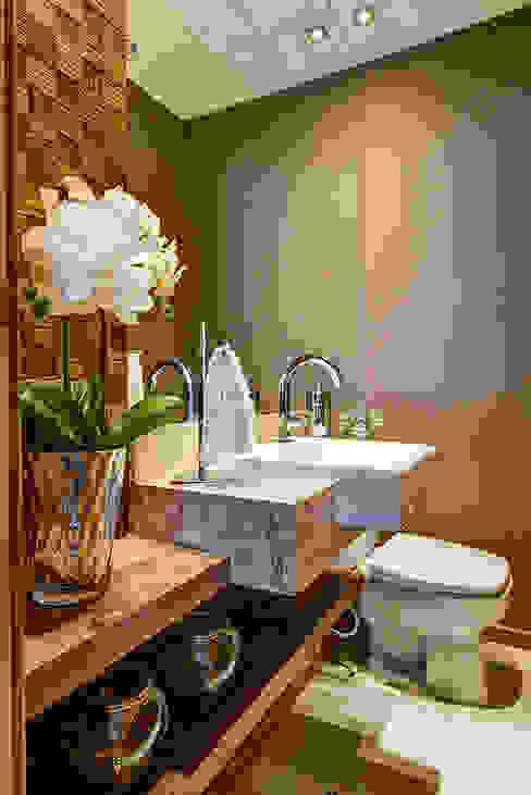 Lavabo: Banheiros  por Eveline Maciel - Arquitetura e Interiores