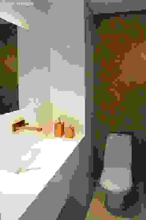 Banheiros e Lavabos Banheiros modernos por Ju Nejaim Arquitetura Moderno