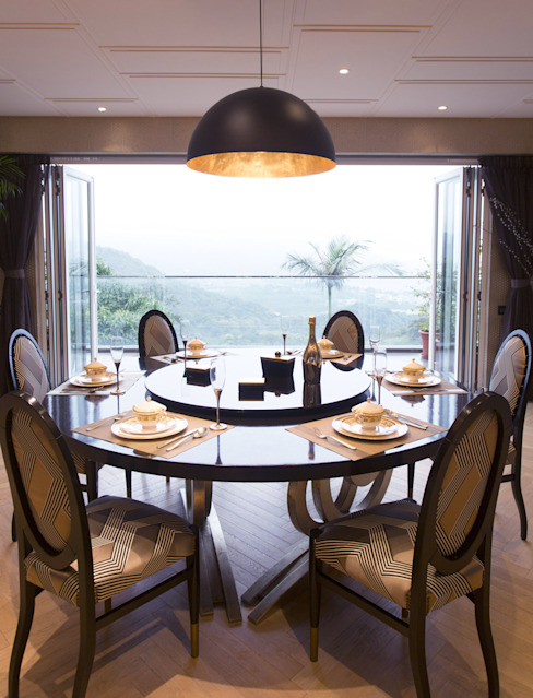 Tycoon Place:  Dining room by Another Design International, Modern