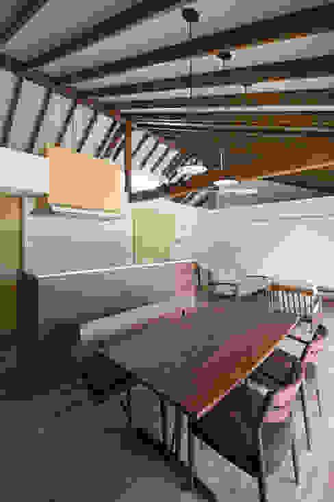 しだれ桜と暮らす家 モダンな キッチン の 設計事務所アーキプレイス モダン