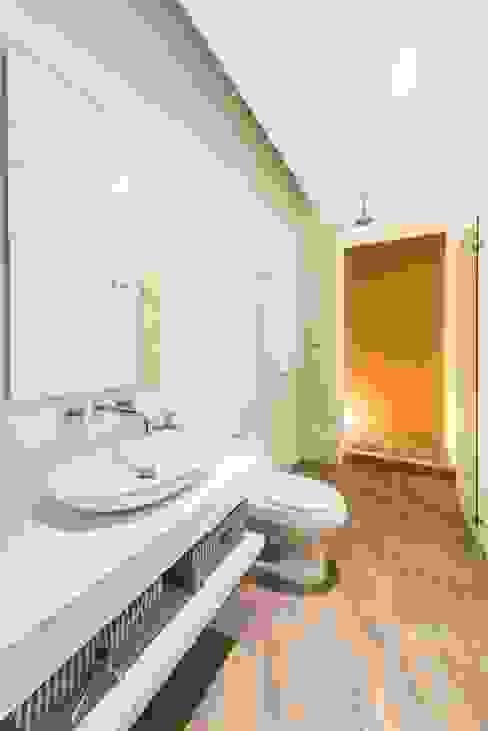 Casa del Patio Ecuestre Baños de estilo moderno de David Macias Arquitectura & Urbanismo Moderno
