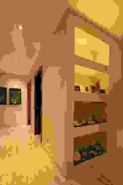 Pasillos, vestíbulos y escaleras de estilo mediterráneo de Atelier Ana Leonor Rocha Mediterráneo